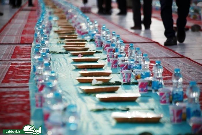 برپایی سفره بزرگ آل طاها در مسجد مقدس جمکران