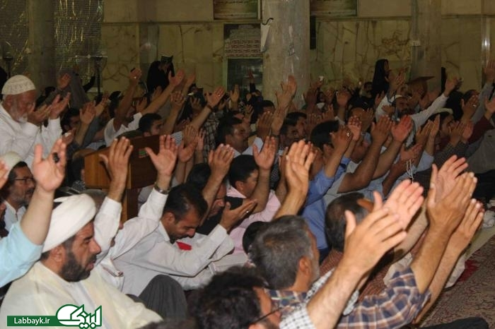 نجواي ملكوتي دعاي كميل با حضور پر شور زائران ایرانی در نجف اشرف طنین انداز شد
