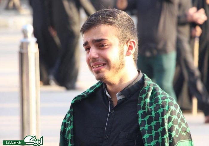 نگاه هایی که برای اولین بار به حرم گره می خورد/اولین سلام زائران دانشجو به امام حسین(ع)