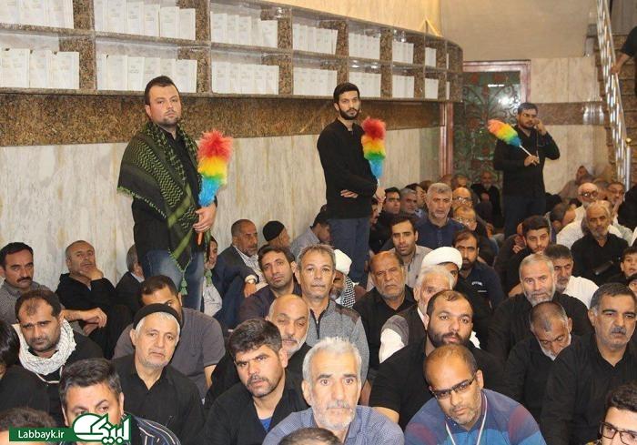 دانشجویان؛راهنمای زائرین در مراسم سرداب حرم حضرت عباس(ع)