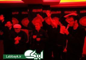 اقامه نماز و عزاداری دانشجویان ایرانی در ظهر عاشورای حسینی