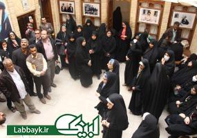 بازدید زائران دانشگاهی  از بیت امام خمینی(ره) در نجف